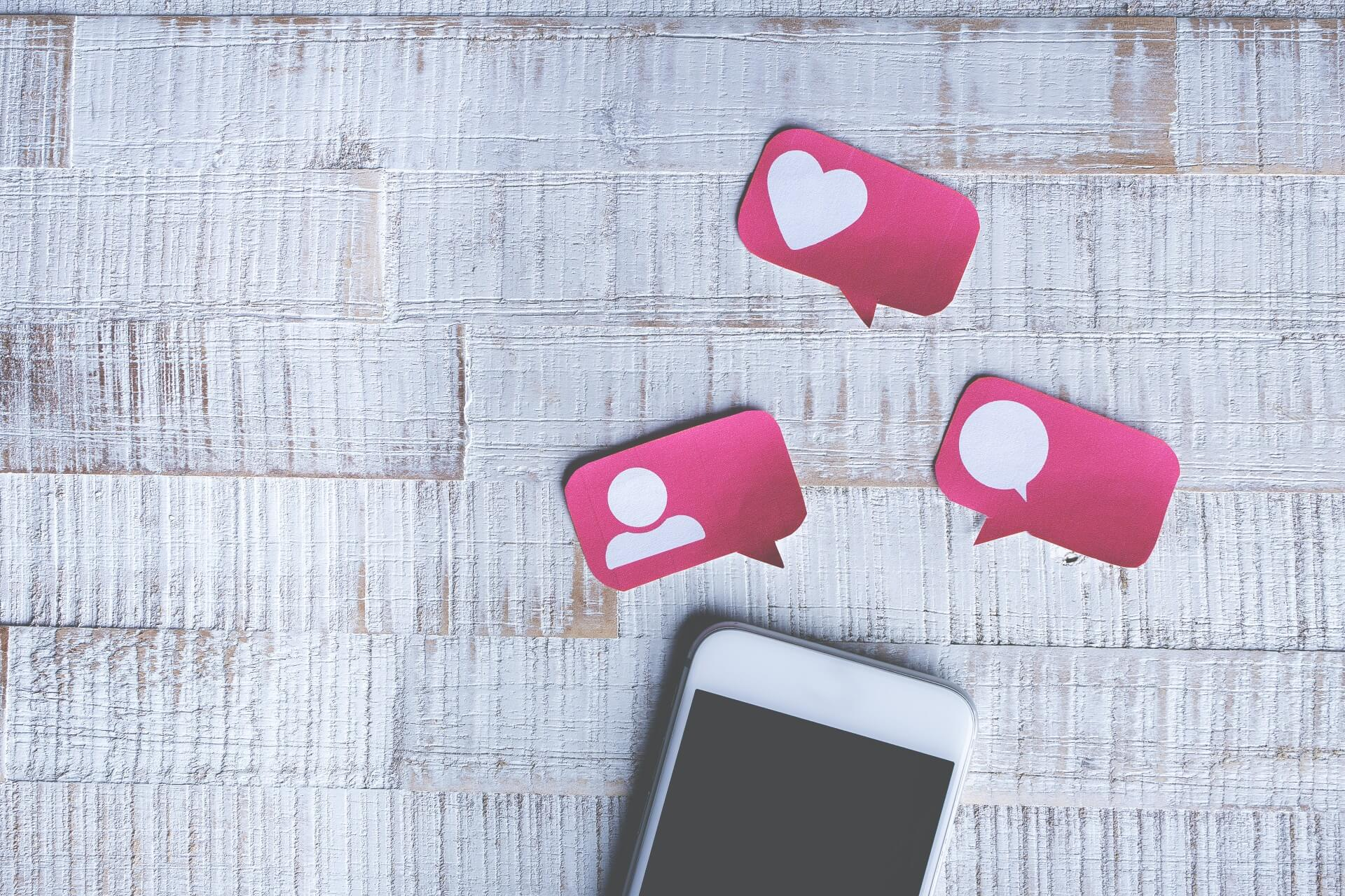 Debra Schultz Marketing Social Media Strategy and Management